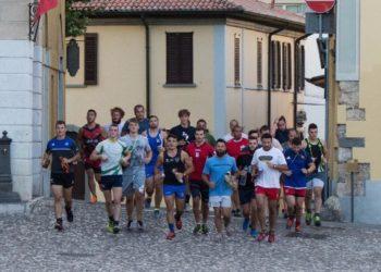 Rugby-Rovato.-Di-corsa-attraverso-Piazza-Cavour